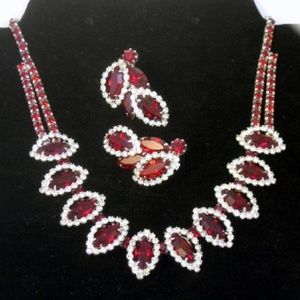 Vintage Weiss Red Rhinestone Necklace  Earring Set